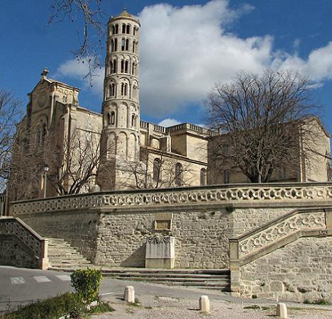 catedrala-uzes